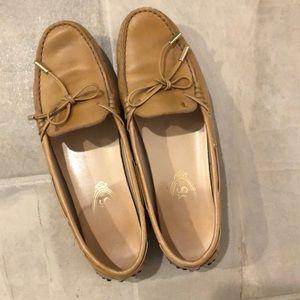 Tod's Gommini Driving Shoes Tan